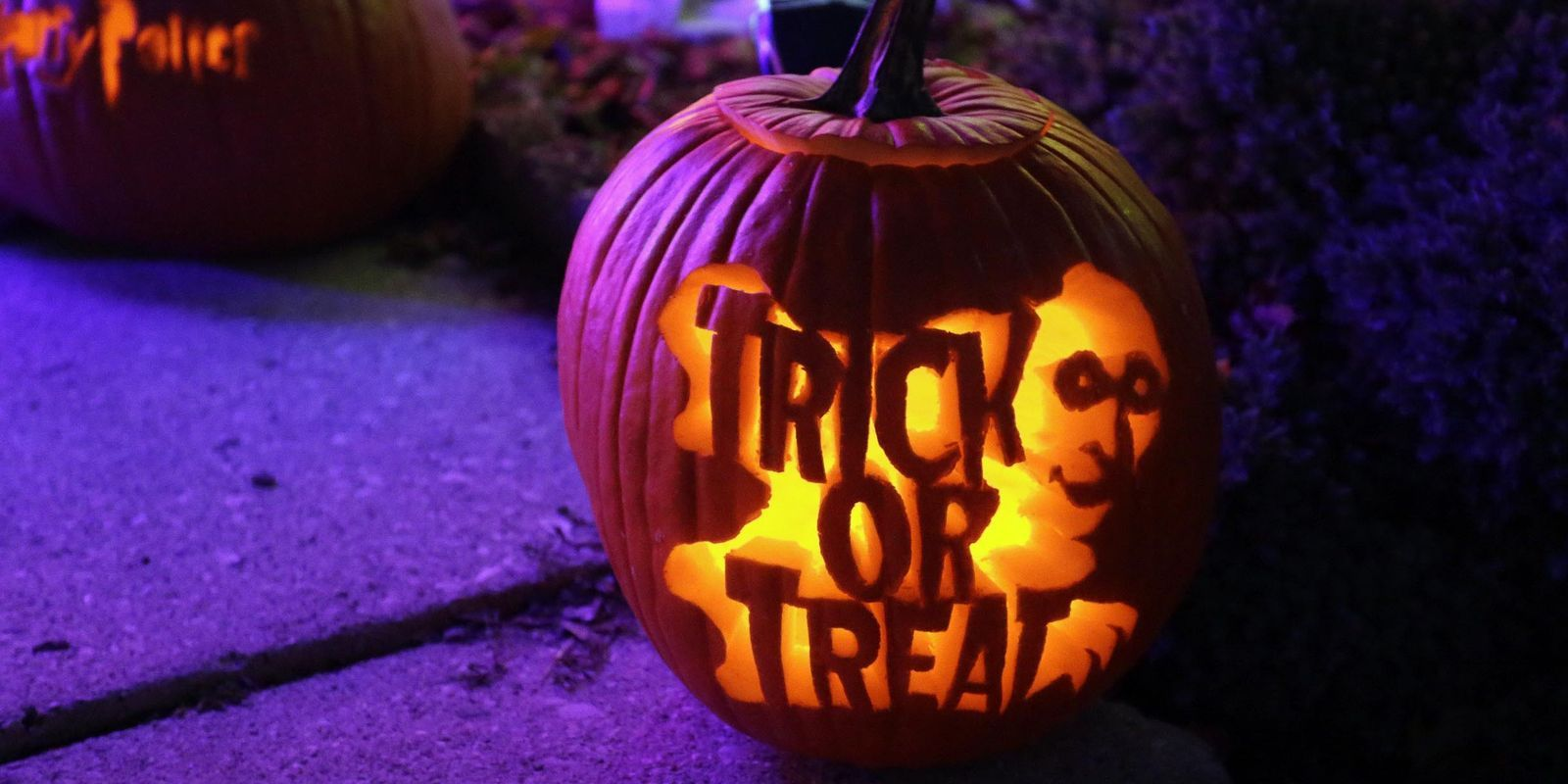 Halloween trick or treat, amber tamlyn nude